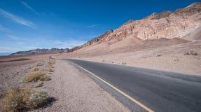Дорога Death Valley Badwater Стоковые Фото