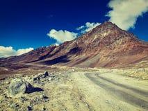 Дорога Manali-Leh в Гималаях Стоковые Фото