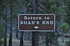 дорога s конца возвращенная к Стоковая Фотография RF