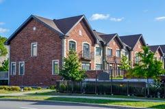 Дорогой современный дом с огромными окнами в Монреале Стоковое фото RF