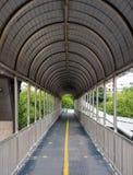 Дорожка на footbridge Стоковое Изображение