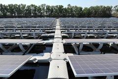 Дорожка плавать солнечная система PV стоковые фото