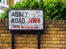 Дорожный знак аббатства в Лондоне (hdr) стоковое изображение