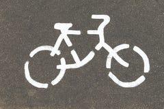 Дорожный знак велосипеда на улице Стоковая Фотография RF