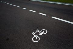 Дорожный знак велосипеда на дороге Стоковое Изображение