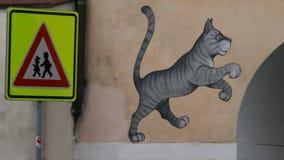 дорожный знак надписи на стенах Стоковое Изображение