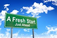 Дорожный знак нового старта стоковое изображение