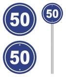 Дорожный знак показывая ограничение в скорости Стоковая Фотография RF