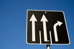 Дорожный знак стрелок Стоковая Фотография
