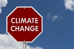 Дорожный знак шоссе стопа изменения климата красный Стоковые Изображения RF