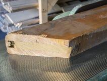 Доска лаборатории плотника деревянная на деревянном резце стоковое фото