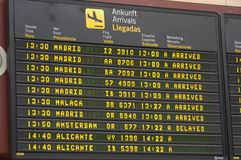 Доска данным по отклонения полета на авиапорте Стоковое Фото