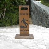 Доска знака влажного пола предосторежения деревянная Стоковое Изображение RF