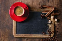 Доска и кофе стоковые изображения