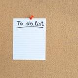 Доска памяти пробочки с пустым куском бумаги, сделать список, доска объявлений, квадрат стоковое фото
