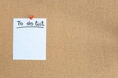 Доска памяти пробочки с пустым куском бумаги, сделать список, доска объявлений, горизонтальная, космос экземпляра стоковая фотография