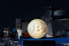 Доска процессора электрического счетнорешающего устройства Bitcoin золота Стоковые Изображения RF