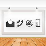 Доска связи значков с деревянными полами и светом Стоковая Фотография RF