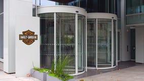 Доска с Harley-Davidson, Inc signage улицы логос строя самомоднейший офис Редакционный перевод 3D стоковые изображения