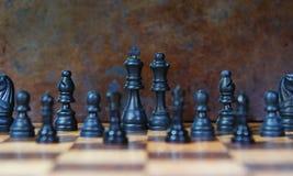 Доска шахмат с частями шахмат стоковые изображения rf