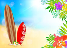 Доски серфинга на пляже, предпосылке вектора Стоковая Фотография RF