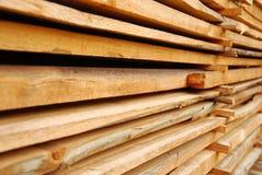 доски штабелировали деревянное Стоковая Фотография