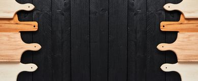 Доски Assorted прерывая на черном деревянном столе знамена стоковое фото rf