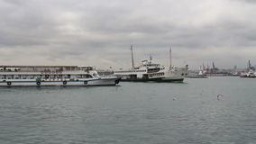 Доставка, город моря, Стамбула, декабрь 2016, Турция видеоматериал