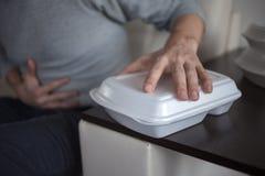 Доставка еды от ресторана Проблемы качественных продучтов и пищевых аллергий низкого качества стоковая фотография rf