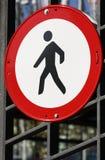 достигните non пешеходного знака Стоковые Изображения RF
