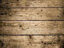 Достигший возраста деревянный настил Горизонтальный взгляд деревянных планок пола стоковое фото