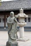 Досточтимая каменная высекать-большая статуя 18 Стоковые Фото