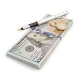 Доллары банкнот денег на белизне Стоковые Изображения