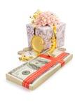 Доллары банкнот денег на белизне Стоковая Фотография
