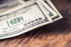 Доллары крупного плана банкнот Доллары американца денег наличных денег Взгляд конца-вверх стога долларов США Стоковое фото RF