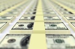 Доллары США денег владение домашнего ключа принципиальной схемы дела золотистое достигая небо к Стоковая Фотография