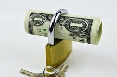 Доллары США с padlock Стоковые Фотографии RF
