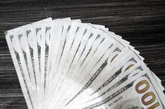 Доллар, доллар США, изображения доллара для мест обменом, изображения доллара в различных концепциях, деньги подсчитывая руку, де Стоковое фото RF