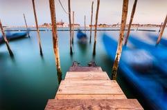 Долгая выдержка гондол в грандиозном канале, Венеции, Италии Стоковое Фото