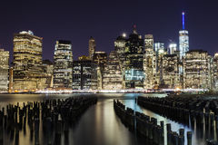 Долгая выдержка горизонта Манхаттана на ноче Стоковые Фотографии RF