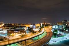 Долгая выдержка шоссе на nighttime в Балтиморе, Мэриленде Стоковое Изображение RF