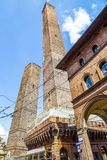 Должное torri, башни - символ городка болонья, Италии Стоковые Фото