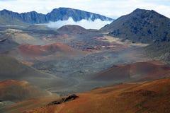 Долина между вулканическими конусами гари Стоковая Фотография