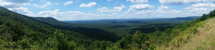 Долина от верхней части горы Стоковая Фотография RF