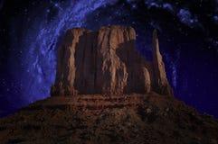 Долина памятника, млечный путь, звезды Стоковые Фото