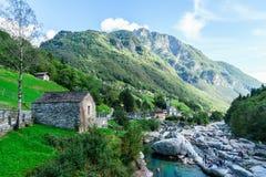 Долина Тичино Швейцария Verzasca стоковые фотографии rf