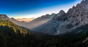 Долина Krnica в утре стоковая фотография