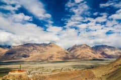 Долина Nubra, Ladakh, Himalyas, Индия Стоковые Фотографии RF