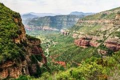 Долина Riells del Fai в горах в Каталонии, Испании Стоковые Изображения RF