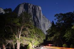 Долина Yosemite лунным светом Стоковая Фотография RF